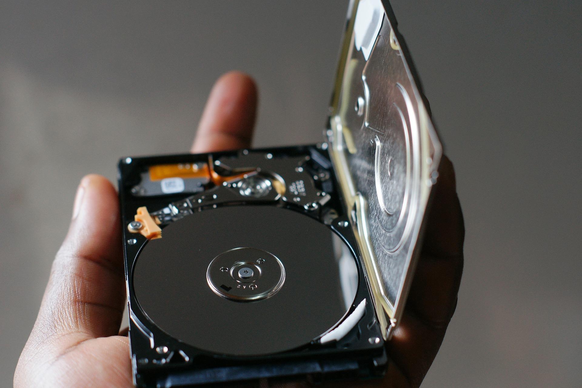 Pourquoi choisir un SSD plutôt qu'un disque dur (HDD)?