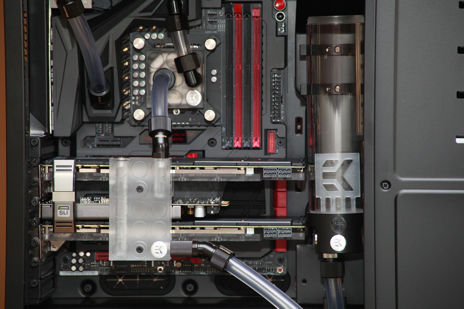 Quelle est la meilleure solution de refroidissement pour votre ordinateur : aircooling ou watercooling ?